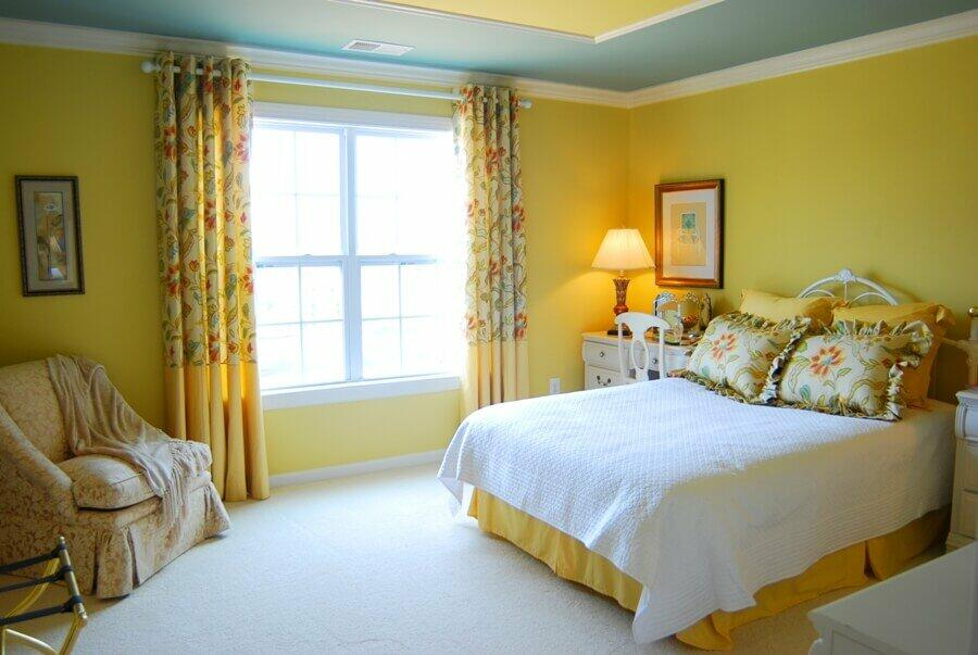 10 Cozy Yellow Design Ideas to Bring Some Sunshine to Your Bedroom